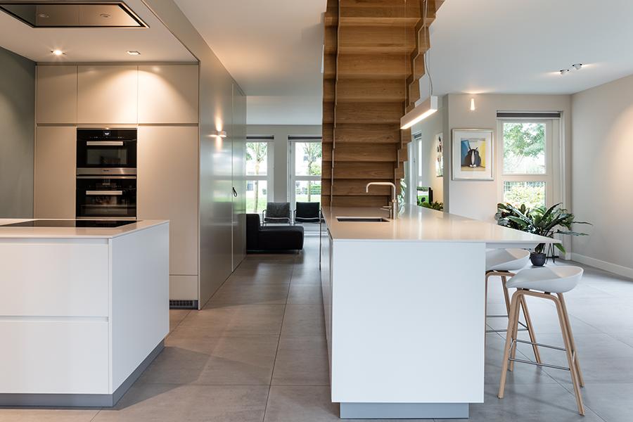 Keuken Met Trap : Keuken met geïntegreerde trap u2013 pietervanderveen